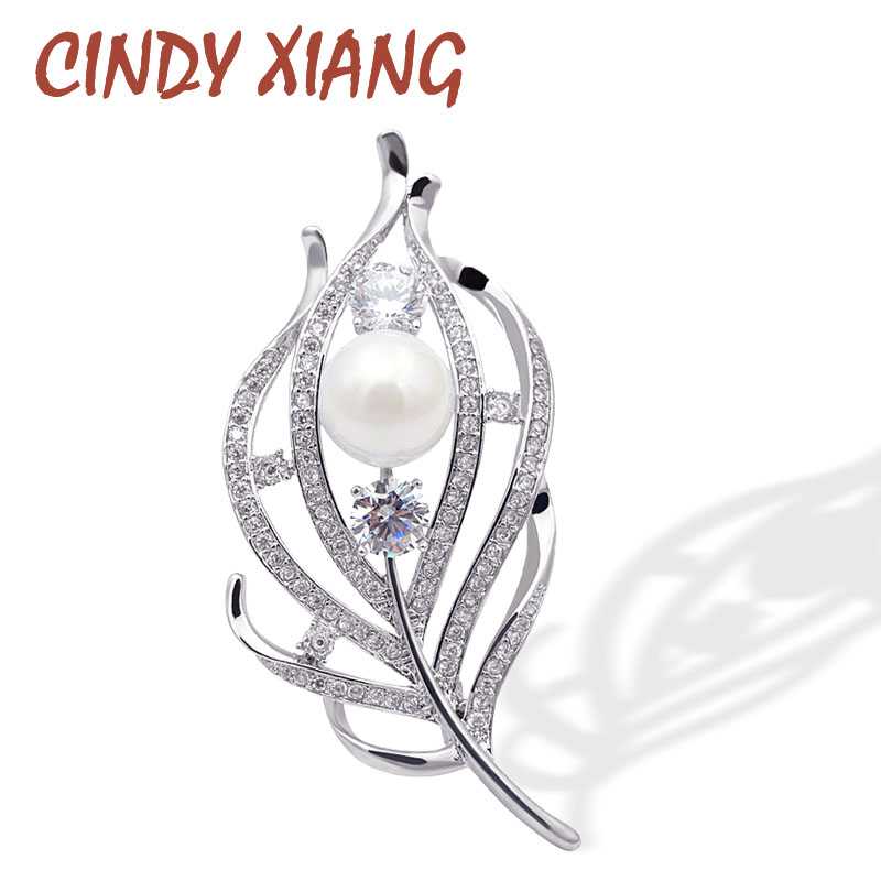 CINDY XIANG New 2018 Zircon Feather Brooches for Women CZ Elegant Coat Suit Accessories Copper Pin High Quality Luxury Corsage