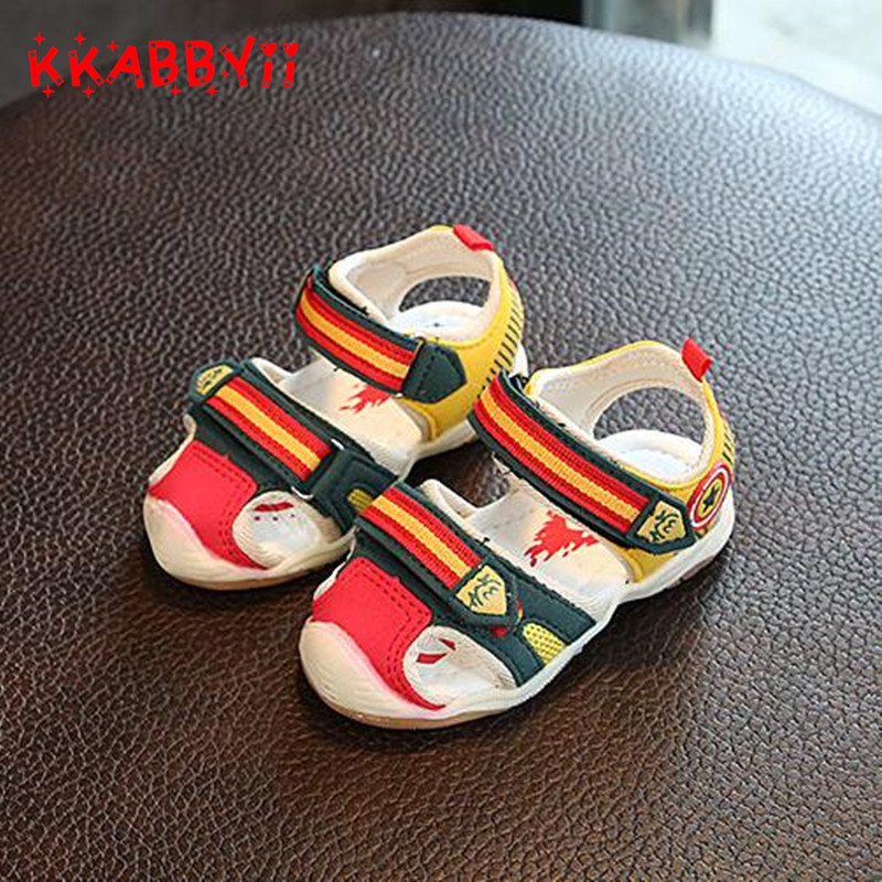 Boys Sandals With Light New Summer Brand Captain Soft Led Boys Girls Shoes Kids Fashion Beach Sandals For Boys Girls Size 21-26