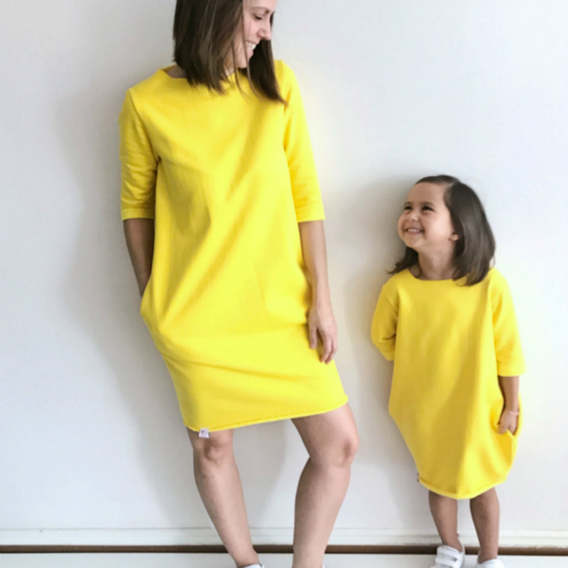2018 Mother Daughter Dresses Family Matching Outfits Yellow Short Sleeve Family Look Matching Clothes Mom And Daughter Dress