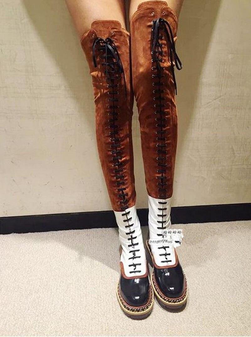 Prova Perfetto moda stivali sopra il ginocchio delle donne catena di metallo croce legato tacco basso martin stivali in pelle scamosciata di cuoio della rappezzatura del lungo stivali-in Stivali sopra il ginocchio da Scarpe su  Gruppo 2