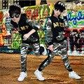 2016 Outono Conjunto de Roupas de Camuflagem Conjunto de Roupas Meninos Meninas das Crianças Jazz Dança Hip Hop Brasão & Calças de Manga Longa Crianças ternos