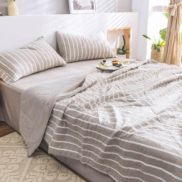 Svetanya Throws Blanket thin quilted Quilt or sheet Pillowcase
