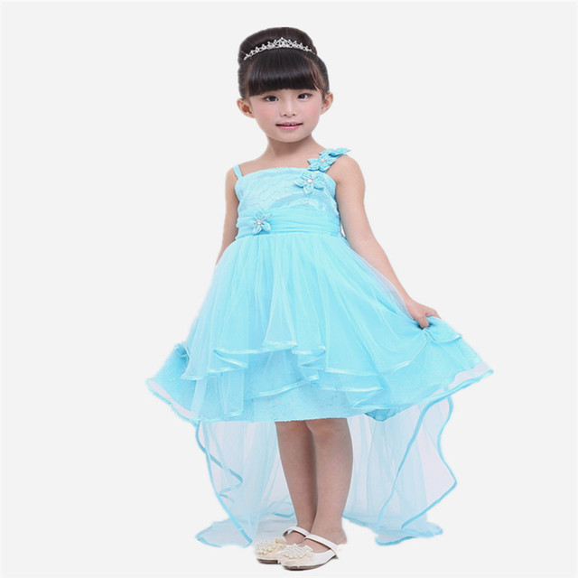 blauwe jurk meisje