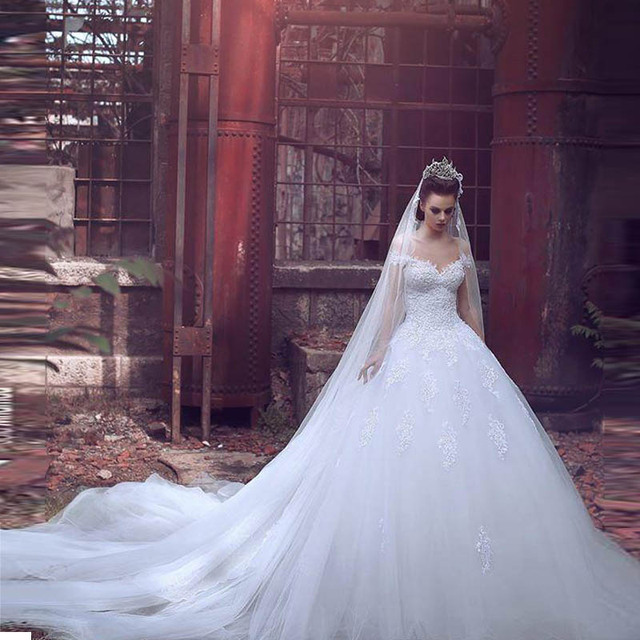 9607341f3b3d Abito Da Sposa Arabic Lace Wedding Dresses 2017 Latest White Spaghetti  Sweetheart A-Line Women Bridal Gowns Sweep Train Bohemian