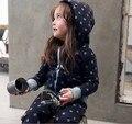 Frete grátis roupa das crianças 100% algodão criança do sexo feminino com a capuz conjunto esportes roupas casuais set crianças terno
