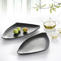 Tri Angle Shape Plate Big Huge Dish For Curry Chili Sauce Rice Crab Dish For Seafood