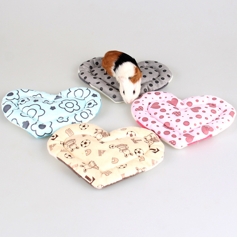Plush Soft Guinea Pig Bed Mat Anti-bite Small Pet Hamster Heart Shaped Cage House Mat Mice Rat Nest Squirrel Hamster Small Pets