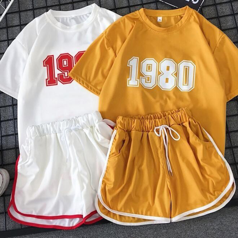 Vintage 1980s Printing Two Piece Tracksuit Set Korean Short Sleeve Tops And Shorts Summer Sports Outfit 2019 Sexy Short Set