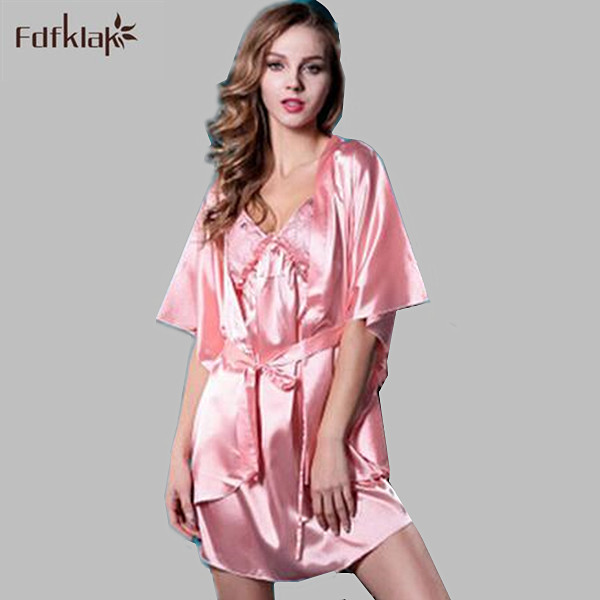 Primavera verano estilo 2017 batas de las mujeres usan el hogar sexy batas de manga corta de raso slik vestido informal albornoz casa Q805