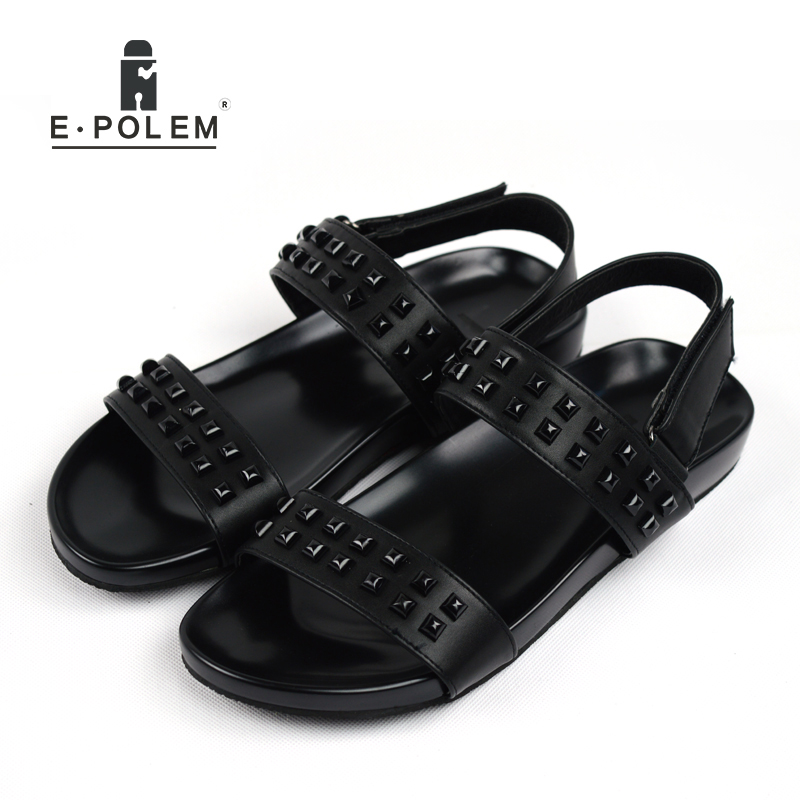 2018 Summer New Style Men Black Rivet Casual Beach Sandal Shoes Fashion Male Retro Hollow Out Breathable Rome Sandals Footwear