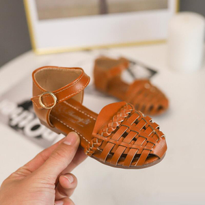 Image 4 - קיץ ילדי נעלי בנות סנדלי פעוט חוף Sandalias Niña Infantil אופנה שחור חלול ילדי סנדלי תינוק נסיכת נעליים