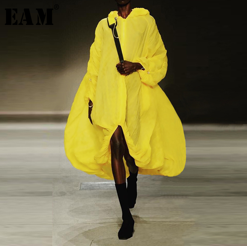 [EAM] 2019 New Spring Summer Hooded Long Sleeve Yellow Irregular Hem Big Size Windbreaker Women   Trench   Fashion Tide JX425