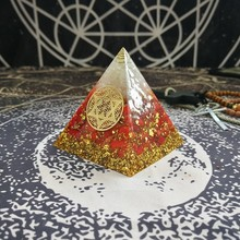 Orgonit Piramidi Muladhara Çakra Enerji Kristal Kırmızı mercan taş Beyaz Kristal Reçine Piramit Takı Dekorasyon C0166