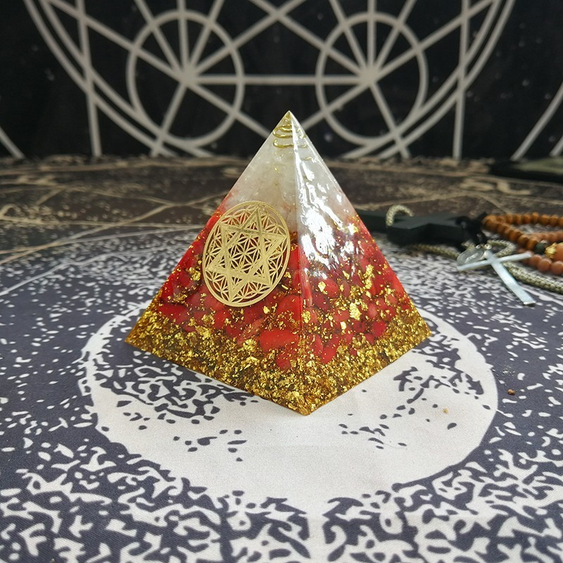 Orgonite Pyramid Muladhara Chakra Energy Crystal Red Coral Stone White Crystal Resin Pyramid Jewelry Decoration C0166