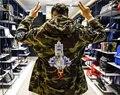 Camuflagem Dos Homens Jaquetas com Capuz 2017 Inverno Bordado Denim Material de Grandes Dimensões Camo Jaquetas Homens Casaco Masculino