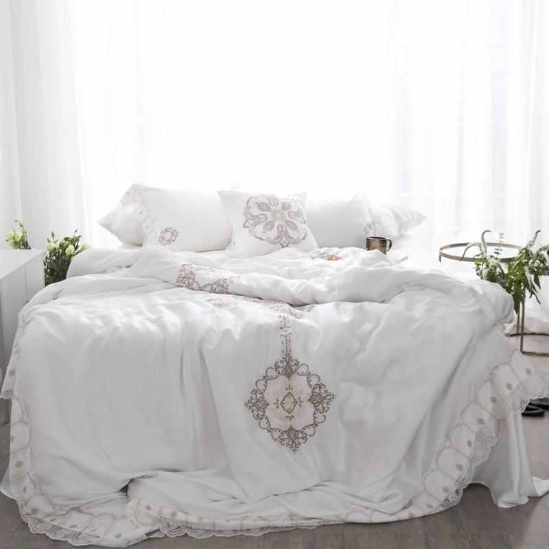 Luxury Tencel European Classic Lace Bedding Set Embroidery Silky Duvet cover Bed Sheet Pillowcases Queen King Size 4PcsLuxury Tencel European Classic Lace Bedding Set Embroidery Silky Duvet cover Bed Sheet Pillowcases Queen King Size 4Pcs