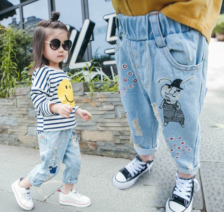 2017 Spring New Baby Girl Jeans Cartoon Rabbit Mouse Hole Loose Denim Pants Long Trousers Children