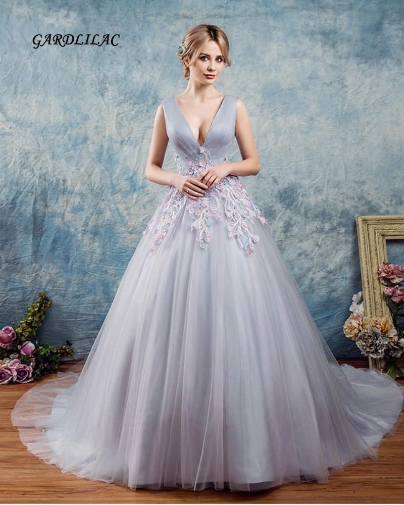 2019 Del Nuovo Grigio Abiti Stile Quinceanera Con Scollo A V In Tulle Con 3d Fiore Masquerade Ball Gown Sweet 16 Dress Abiti De 15 Anos