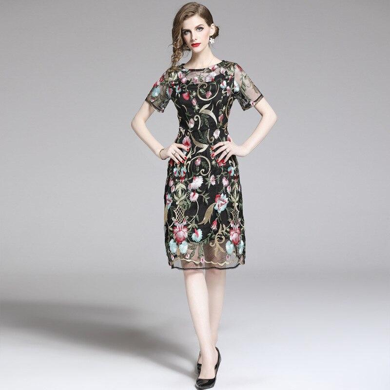Europe et états-unis haut de gamme mode femmes 2019 été nouvelle robe à manches courtes en maille brodée robe livraison gratuite