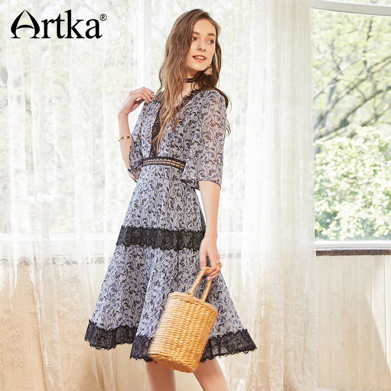 ARTKA Vintage V-neck Lace Stitching Dress LA11887X