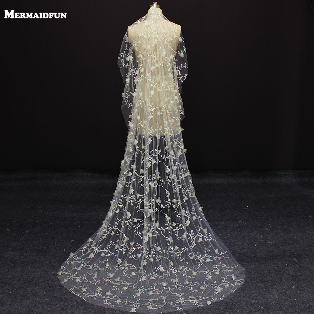Real Photos New One Layer 2 Meters Flower Champagne Color Wedding Dress With Comb Beautiful Bridal Veil