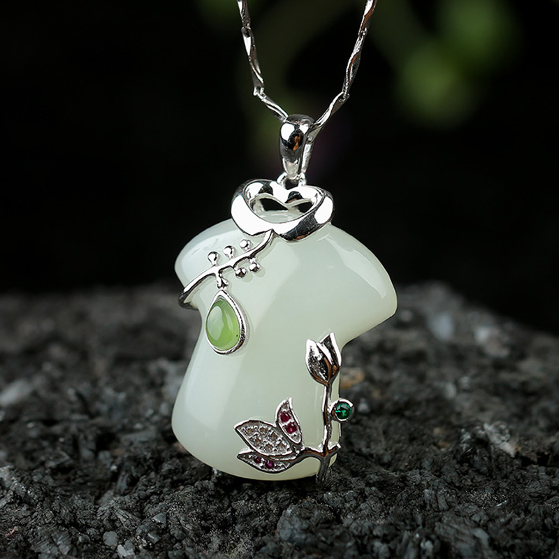 Yu xin yuans Nature et jade pendentif 925 argent incrusté cheongsam collier pendentif