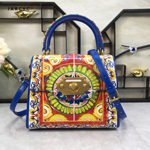 купить New Famous Brand Women Handbag Real Leather Flap Style Crossbody Bag Lady Satchel Shoulder Bag Small Messenger Bag Girls Handbag по цене 8232.6 рублей