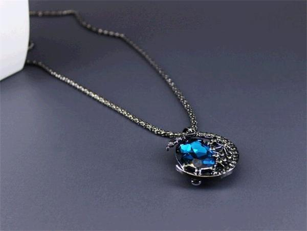 Vampire Diaries Elena's Crescent Moon Pendant Necklace