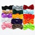 Ajustable de la manera Shinny Bowtie Wedding Party Color Sólido Rayón Corbata Mariposa Del Color Del Caramelo de Seda Noble Tie-Factory Outlet