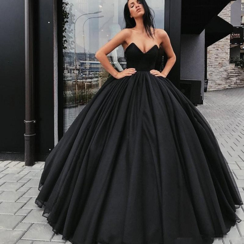Black Muslim Evening Dresses 2019 Ball Gown V Neck Tulle