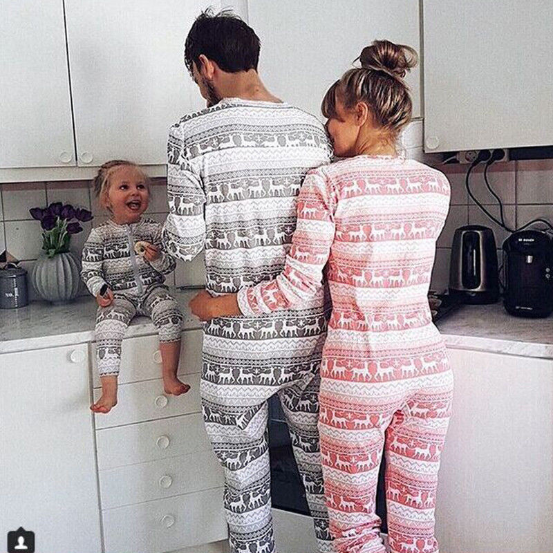88a1e4642262 2018 Family Christmas Pajamas Set Warm Adult Kids Mommy Sleepwear Nightwear  Clothes Matching Family Outfits