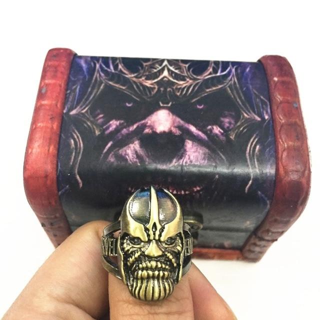 Кольцо Танос и перчатка в подарочной коробке Мстители: война бесконечности 1