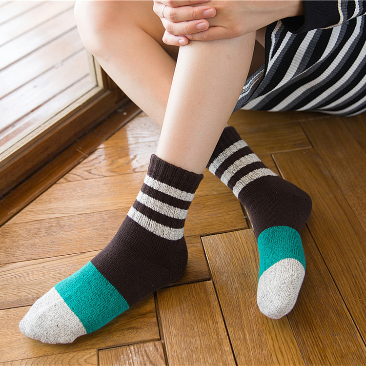 wholesale new womens middle tube socks thick line retro three bar rib cuff color matching socks for young lady fashion sox