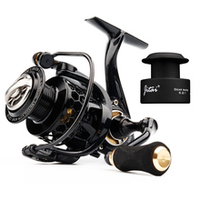 Lightweight Spinning Reel with Free Spool