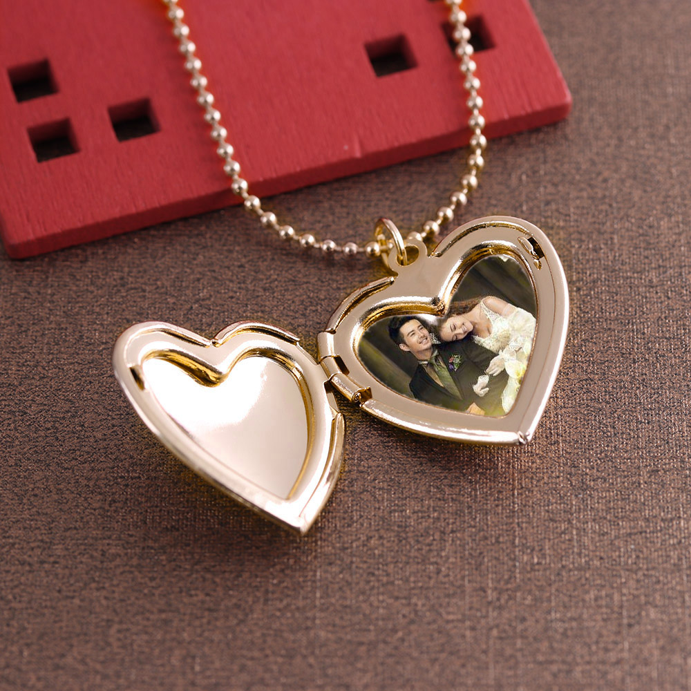 HOOH 1PC Heart Shaped Friend Photo Picture Frame Locket Pendant for Necklace Romantic Jewelry Couple Valentine's Day Gift
