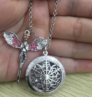 LU YING (with Colorful Diffuser 9 pads) PHOTO Round Essential Oil Diffuser Filigree Locket Necklace FLAKE Aromatherapy Necklace