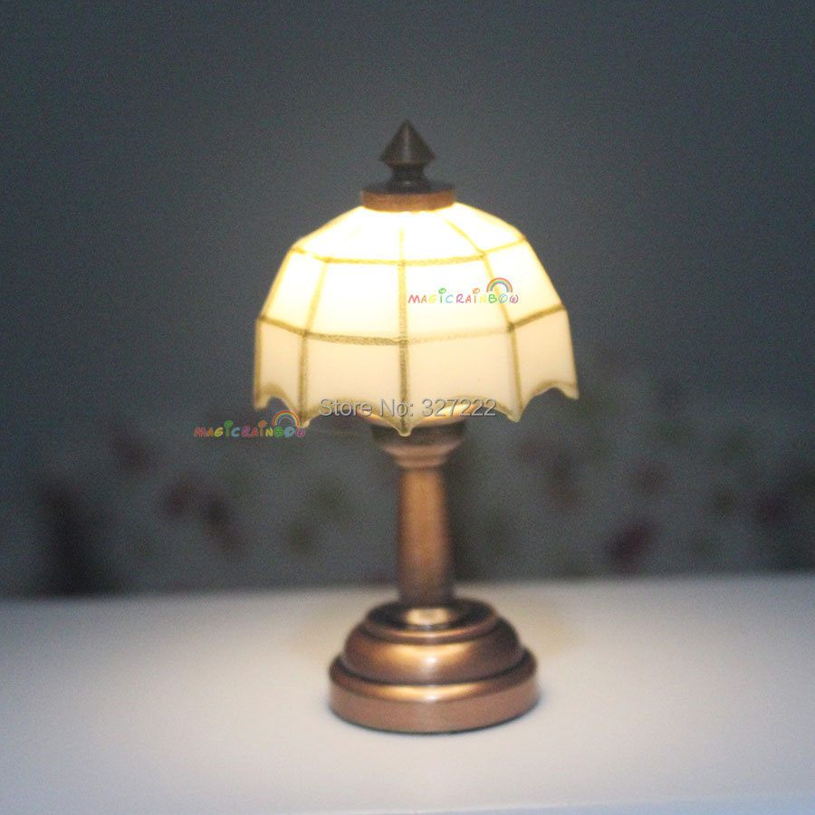 Desk Table LED Lamp Bedside White Light Mosaic Wireless 3V Dollhouse Miniature 112 For Blythe Living Room