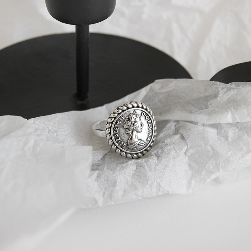LouLeur 925 Sterling Silver Elizabeth Figure Rings Silver Vintage Round Vivid Elegant Open Rings For Women Festival Jewelry