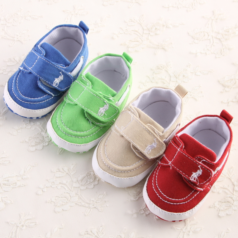 42a2762b0c6 2015 nouveau mode bébé garçon chaussures première Walkers solide coton  crochet et boucle d u0027été Style Chaussure Bebe Fille Zapatos bébé dans  Premiers ...