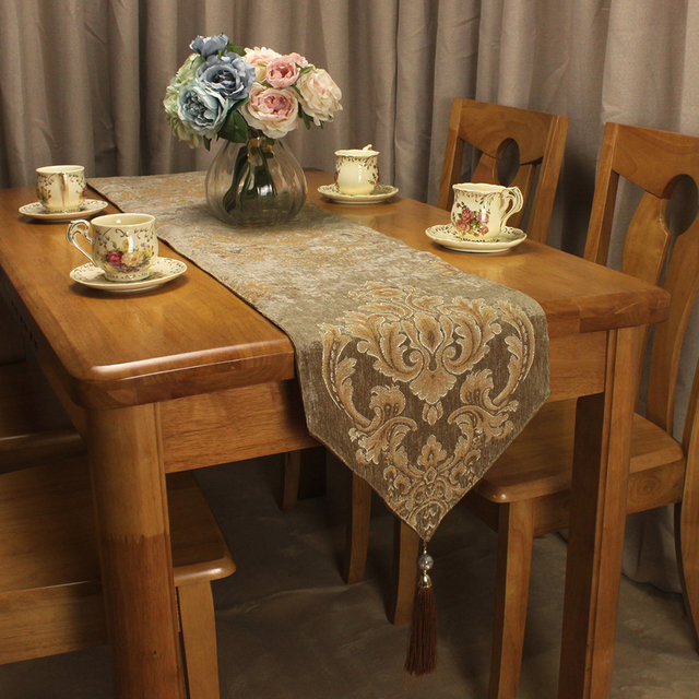 CURCYA Brown Vintage Table Runner Classic European Royal Pattern Chenille  Jacquard Luxury Table Runners For Dining
