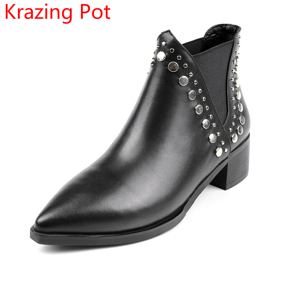 New Arrival Genuine Leather Metal Rivets Decoration Pointed Toe Chelsea Boots Thick Med Heels Slip on Streetwear Ankle Boots L10  new arrival genuine leather pointed toe fashion winter boots rivets thick heel slip on chelsea boots handmade ankle boots l93