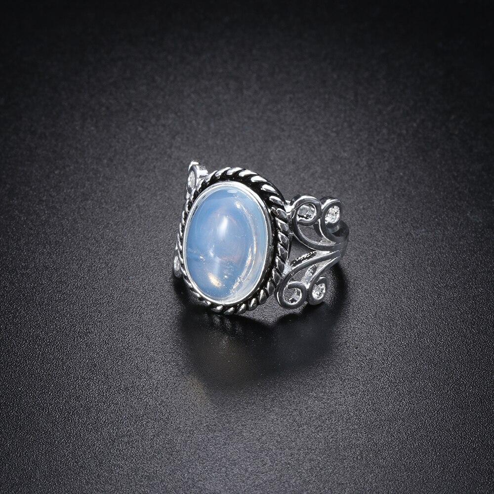 1 Pcs Antike Frauen Ring Vintage Boho Tibetischen Oval Natürliche Kristall Regenbogen Mondstein Ring Für Weibliche Schmuck Die Neueste Mode