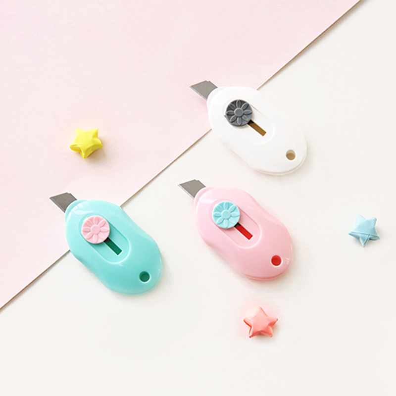 Cute candy Color Mini Portable Utility Knife Paper Cutter Cutting Paper Razor Blade Office Stationery student school supplies цена и фото