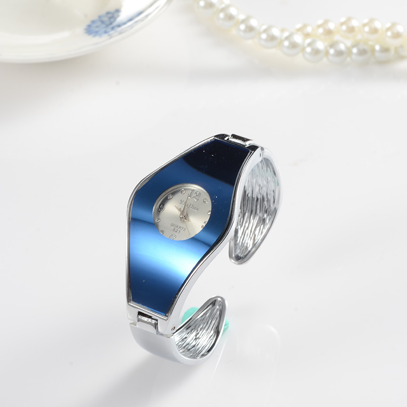 все цены на Fashion Bracelet Watch Women Watches Luxury Crystal Women's Watches Ladies Watch Clock saat relogio feminino relojes para mujer