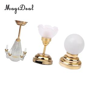 Image 1 - 1:12 סולם בית בובות מיניאטורות ריהוט קישוט LED שולחן אור תקרת מנורת סוללה מופעל פלסטיק אור אביזרים