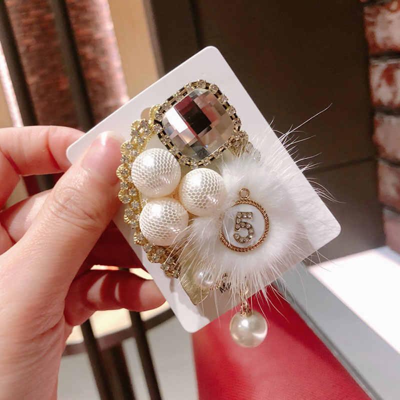Retro Vintage Kecil Aroma Crown 5 Kata Lencana Rumbai Bros Air Kain Bulu Mantel Pin Wanita Bros