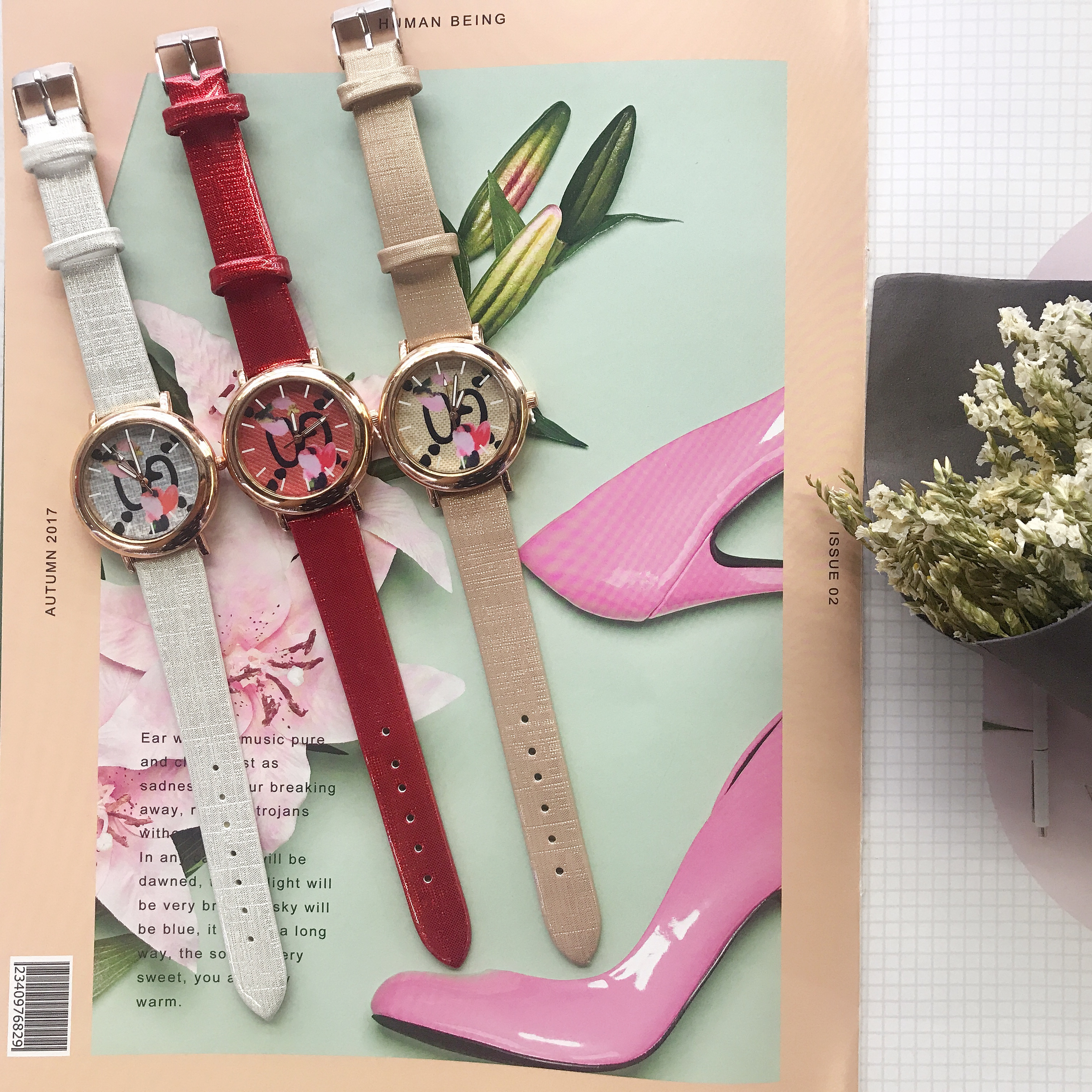 Simple atmospheric fashion female table flowers bright color belt surface  luxury women watches PU Fashion & Casual
