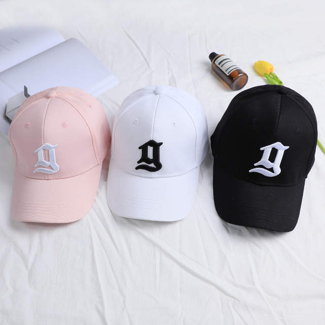 placeholder 2017 nueva tendencia negro sólido Rosa tapas sombrero para las  mujeres hombres bordado letra g gorra 7d373c1075a