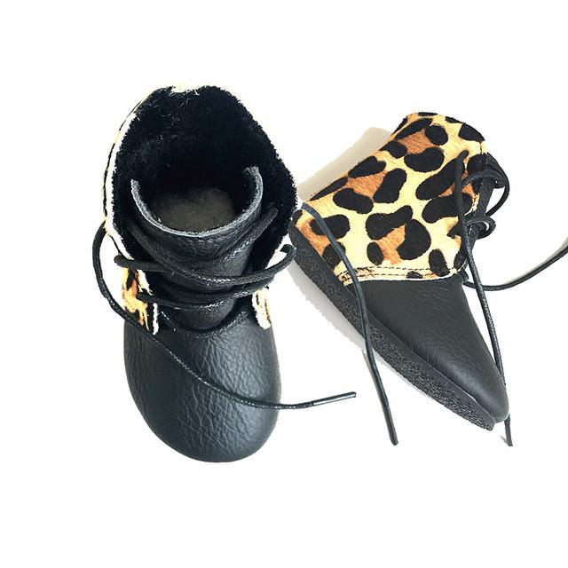 Comercio al por mayor Botas de Cuero Genuino antideslizante zapatos de Bebé de Colores Mezclados Bebé estampado de leopardo mocasines