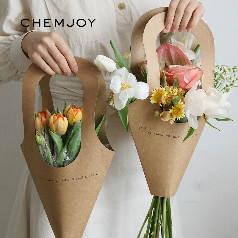 5Pcs <font><b>Kraft</b></font> <font><b>Paper</b></font> Bags Flower <font><b>Box</b></font> <font><b>with</b></font> <font><b>Handle</b></font> Bouquet Florist Gift Packing <font><b>Box</b></font> Valentine's Day Rose Boxes Rustic Party Decoration image